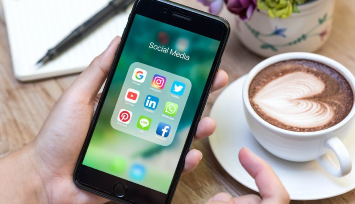 Apply These 5 Tips to Get All Your Employees Involved in Social Media Marketing